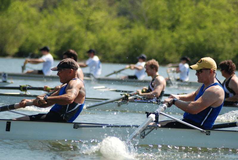 Rowers on the Tennessee River